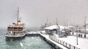 Tüm yurdu etkisi altına alan soğuk hava dalgası nedeniyle Ankara, Kütahya, Afyonkarahisar, Uşak ve Eskişehir için kuvvetli kar yağışı ve buzlanma uyarısı yapıldı.