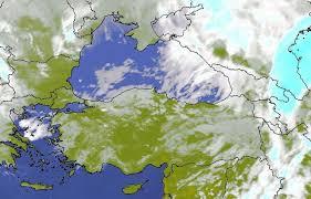 Geçtiğimiz günlerde küresel tahmin sitemlerinde kendini göstermeye başlayan soğuk hava dalgası yurda yaklaştı. Meteoroloji'nin tahmin haritasına göre perşembe gecesi İstanbul'da hava sıcaklıkları 15 derece birden düşecek ve cuma günüyle birlikte kar yurda giriş yapacak.