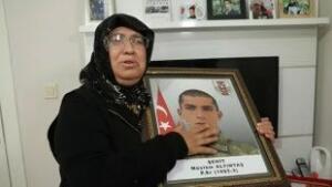 """Gara'da şehit edilen 13 vatandaştan biri olan Topçu er Müslüm Altıntaş'ın babası Şevket Altıntaş, """"Oğlum açlıktan bir deri bir kemik kalmış biz bu yüzden tanıyamadık"""" dedi."""