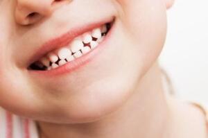 Canlı kök hücre içeren çekilmiş süt dişleri özel bir enzim solüsyon içine konarak çoğaltılıyor ve daha sonra -196 derecede dondurularak sıvı nitrojen tanklarında beklemeye alınıyor. Eksik doku ve organların telafisinde bu kök hücreler insanlık için büyük umutlar taşıyorlar.