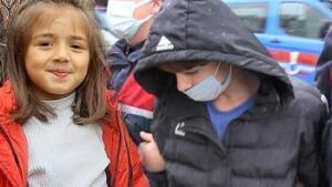 İkranur Tirsi'nin ölümüyle ilgili cinayet şüphesi üzerine aynı aileden 7 kişi gözaltına alınmıştı. Bu sabah amca ve hala adliyeye sevk edildi. 14 yaşındaki amca 8 ay sonra İkranur'u öldürdüğünü itiraf etti. Öte yandan amca ve hala için tutuklanma talep edildi.