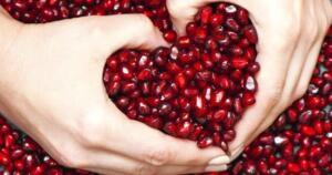 Tarçını işlenmemiş şekilde tüketmenin bir çok faydası vardır. Güçlü bir antioksidan, enfeksiyonları karşı mücadelede güçlü ve aynı zamanda kalp hastalıkları riskini azaltmada oldukça etkilidir. Tarçın üzerinde yapılan iki ayrı çalışmadan birincisinde tarçının Tip-2 diyabet hastaları üzerinde olumlu etkisi gözlemlenmişken, ikinci çalışmada ise tarçının kolesterolü düşürdüğü gözlemlenmiştir. 8. Nar