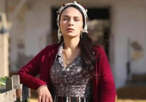 ATV'nin sevilen dizisi Bir Zamanlar Çukurova'da Saniye karakterine hayat veren Selin Yenici, koronavirüse yakalandı. Durumu kısa sürede ağırlaşan Yenici, yoğun bakıma kaldırıldı.