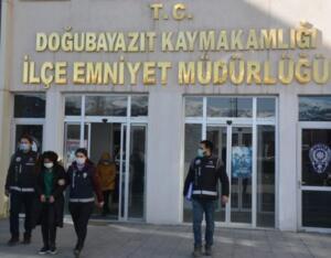 Sahte gelin Melisay, 38 günün sonunda bildiği tüm gerçekleri Didem Arslan Yılmaz'a itiraf etti. İtirafın ardından sahte gelin Melisay, Ağrı ve İstanbul Organize ve Kaçakçılık Şube ekipleri tarafından gözaltına alındı.Programın sunucusu Didem Arslan Yılmaz, ilk günden itibaren büyük bir titizlikle çalıştı. Sahte gelinleri ve çetedeki isimleri tek tek ortaya çıkardı. Türkiye'nin 45 ilinden toplam 9 milyon lira dolandırdığı ortaya çıkan sahte gelin çetesine dair tüm gerçekler, Didem Arslan Yılmaz'la Vazgeçme programında öğrenildi. Gerçeklerin ortaya çıktığı yayınların ardından emniyet güçleri harekete geçti ve Türkiye'nin dört bir yanında sahte gelin çetesine eş zamanlı operasyonlar yapıldı