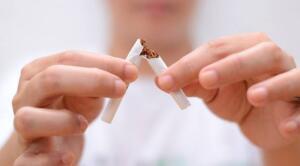 Motivasyon olması için ikramiye ve ek müsaade uygulamasını başlattıklarını söyleyen İnsan Kaynakları Müdürü İlknur Köksal, 185 çalışanın, 50'sinin taahhütname imzalayarak sigarayı bıraktığını, birinci ödeneklerin de ocak ayında maaşla yatırıldığını lisana getirdi. 4 yıl önce İstanbul merkezli kurulan ve esnek ambalaj dalında hizmet veren Krcpack, çalışanlarını sigarayı bırakmaya teşvik etmek için değişik bir uygulama hayata geçirdi.