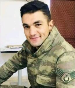 ASTSUBAT ÜSTÇAVUŞ NAZMİ YILMAZ ŞEHİT OLDU Kazada şehit olan Topçu Astsubay Üstçavuş Nazmi Yılmaz'ın (28) Kahramanmaraş'ın Afşin ilçesindeki baba ocağına ateş düştü.