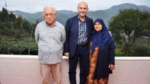 """İstanbul Valisi Ali Yerlikaya başsağlığı mesajında şu ifadeleri kullandı: """"İçişleri Bakanımız Sayın Süleyman Soylu'nun muhterem anneleri Servet teyzemizin, tedavi gördüğü hastanede hayatını kaybettiğini büyük bir üzüntüyle öğrendim. Merhumeye Allah'tan rahmet, Sayın Bakanımız ve kederli ailesine sabırlar diliyorum."""" Ankara Büyükşehir Belediye Başkanı Mansur Yavaş, Twitter'dan """"İçişleri Bakanımız Sayın Süleyman Soylu'nun muhterem annesi Servet Soylu'nun vefat ettiğini üzüntüyle öğrendim. Merhumeye Allah'tan rahmet, yakınlarına başsağlığı ve sabır diliyorum."""" ifadelerine yer verdi."""