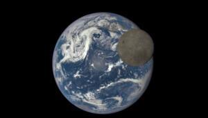 """Dünya Doğayı Koruma Vakfının (WWF) iklim krizine dikkati çekmek için 2007'den bu yana dünya genelinde düzenlediği Dünya Saati etkinliği kapsamında, 27 Mart'ta ışıklar bir saatliğine kapatılacak. WWF-Türkiye'den yapılan açıklamaya göre, her yıl mart ayının son cumartesi günü dünya genelinde düzenlenen Dünya Saati etkinliği, bu yıl 27 Mart Cumartesi akşamı 20.30-21.30 saatleri arasında """"değişim"""" çağrısıyla gerçekleşecek."""