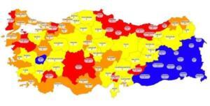 """Dün açıklanan koronavirüs verileri tablosu ise normalleşmenin yeni başladığı günlerde şok etkisi yarattı. 7 bin ile 9 bin arasında gidip gelen günlük vaka sayıları dün 11 bin 837'ye yükseldi. Sağlık Bakanı Fahrettin koca'nın dün Twitterhesabından paylaştığı İllere Göre Haftalık Vaka Sayısı haritası ise durumun ciddiyetini bir kez daha gözler önüne serdi. Koca, haritayı paylaşıp şu mesajı yayınladı: """"Her hafta açıkladığımız illerimizde 100.000 nüfusa düşen haftalık toplam vaka sayısının güncel haritasını ilan ettik. Kademeli ve kontrollü normalleşecegiz."""""""