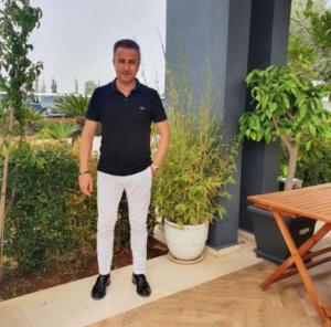 Antalya'da, baş ağrısı şikayetiyle gittiği hastanede beyin kanaması geçirdiği belirlenip ameliyat edildikten sonra yoğun bakıma alınan 46 yaşındaki turizmci Ali Babacanoğlu´nun beyin ölümü gerçekleşti. Ailesi, Babacanoğlu'nun organlarını bağışlama kararı aldı