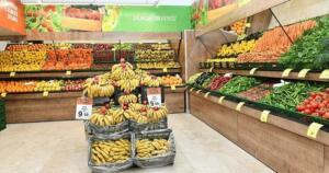 Başkan Recep Tayyip Erdoğan'ın talimatını vererek hedefini 500 mağaza olarak açıkladığı aracısız ve üreticiden direkt tüketiciye satış yapan Tarım Kredi Kooperatif Marketlerle ilgili sıcak gelişmeler yaşanıyor. İndirimli satışlarla rekabeti artırırken vatandaşa da büyük ve nemli bir alternatif oluşturan Tarım Kredi Marktelerinin ucuzluk zinciri çok sayıda ile çok sayıda market ile yayılacak. İşte o iller ve yeni açılacak şubelerle ilgili son dakika gelişmeleri