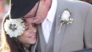 ABD'de kanser hastası bir adamın hastalığının son evreye ulaşması üzerine, ölmeden kızını gelinlikle görebilmesi için mizansen bir düğün düzenlendi. ABD'de hastalığı son evrelerine ulaşan pankreas kanseri Jim Zetz, 11 yaşındaki kızı Josie için düzenlenen mizansen düğüne katılarak, belki de yaşamının son aylarında çocuğunun mürüvvetini görmüş oldu.