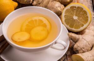 Birlikte kullanıldıklarında bağışıklık sisteminizi güçlendirir, vücut sağlığınızı iyileştirir ve metabolizmanızı hızlandırır. 1 hafta boyunca gün aşırı olarak gece yatmadan önce; yarım limon, birkaç dilim zencefil ve bir su bardağı sıcak suyu karıştırın, 10 dakika demlenmesine izin verin ve için. Sonuçlarına inanamayacaksınız. Nane çayı
