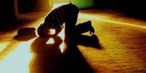 _Ezanı Duyunca Kulak Kesilin Ve O Güzel Sesi Kalbinizdeki En Güzel Çağrı Olarak Canlandırın.. Bunları Yaparsanız İnşallah Durum Değişir. İlâhî Nur Ve Rahmet Üzerinize Yoğunlaşır Ve Varsa Kalbinizdeki Karanlıkları Temizler. Siz de, Hızla Aydınlanır Ve İbâdetin Güzelliğini Keşfedersiniz. Allah Hepimize Nasîp Eylesin..