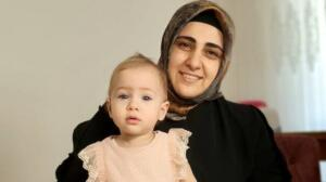 Evin tek çocuğu olan Zeynep'in anne ve babasının, 12 yıldır tüp bebek tedavisi gördüğü ve bu tedavi sonucu Zeynep bebeğin dünyaya geldiği öğrenildi. Talihsiz Zeynep'in yarın kılınacak cenaze namazının ardından toprağa verileceği öğrenildi.