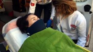 Tıpta 'hidrosefali' hastalığı olarak bilinen ve beyinde su toplanması anlamına gelen hastalık, fazla sıvının uzaklaştırılmasını önleyen bir tıkanıklık nedeniyle meydana gelir. Fazla biriken sıvı beyne baskı yapar. Hidrosefali her yaşta ortaya çıkabilmesine rağmen bebekler ve 60 yaş üstü yetişkinler arasında daha sık görülür. FATMA GİRİK KAÇ YAŞINDA? Bodrum Belediye Başkanı Ahmet Aras, 12 Aralık 2020'de 78. yaşına giren Fatma Girik'in doğum gününü kutladı. Ünlü oyuncunun Torba Mahallesi'ndeki evinde gerçekleşen ziyarette Başkan Aras'a, Başkan Yardımcısı Emel Çakaloğlu ve Torba Mahallesi Muhtarı Suat Kaya eşlik etti. Ziyarette, Fatma Girik'e çiçek verilerek doğum günü kutlandı.