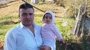 Ordu'da manevra yapan baba, 3 yaşındaki kızına çarptı. Yoğun bakıma alınan minik kızın yaşam mücadelesi bir gün sürebildi. Hayatını kaybeden minik Zeynep'in 12 yıl süren tedavinin ardından tüp bebek yöntemi ile dünyaya geldiği öğrenildi.