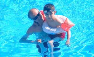 Antalya'nın Alanya ilçesinde ailesiyle birlikte tatil yapan Ali Kemal Güler (8), konakladıkları otelin havuzunda boğuldu. Polis, olayla ilgili soruşturma başlatırken, Güler'in cenazesi ailesi tarafından morgdan alınarak Adana'ya götürüldü.