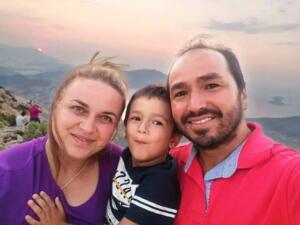 Olay, dün saat 11.00 sıralarında 5 yıldızlı bir otelde meydana geldi. Dün, Adana'dan tatile gelen Güler ailesi, 5 yıldızlı bir otele tatil için giriş yaptı. Ailenin çocukları Ali Kemal Güler, bir süre sonra amcası Oken Güler ile otelin havuzuna girdi. Okan Güler, telefonunun şarjı azalınca yeğenini çocuğun annesi Ayşegül Güler'e emanet ederek odasına çıktı. Okan Güler geri döndüğünde yeğenini olimpik havuzda hareketsiz buldu. Havuzdan çıkarılan Ali Kemal Güler, çağırılan sağlık ekibinin tüm çabasına karşın kurtarılamadı.