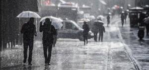 Hava Tahmini Uzmanı Macit, Marmaris'te 3 Ağustos itibarıyla 45,5 ile tüm zamanların en yüksek sıcaklık rekorunun kırıldığını söyledi. Macit, Antalya'da da 3 merkezde yine sıcaklık rekoru kırıldığını belirtti. (DHA)