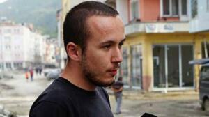 Kastamonu'nun Bozkurt ilçesinde, selde babasını kaybeden 24 yaşındaki kişi, yaşadığı zarar karşılığında Devlet tarafından fazla ödeme yapıldığı gerekçesiyle 750 bin lirayı iade etti.