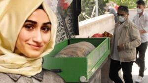 """Cenaze namazına Yahyalı Belediye Başkanı Esat Öztürk, Develi Belediye Başkanı Mehmet Cabbar, Sarıoğlu'nun ailesi, meslektaşları ve çok sayıda vatandaş katıldı. Cenazeye katılan vatandaşlar Arife öğretmeni gözyaşlarıyla uğurladı. SON MESAJI: """"SORUNLAR; SAKİN, MUTLU YAŞAMLARI ALT ÜST ETMEZ"""""""