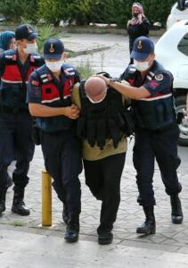 Göktaş, tutuklu bulunduğu Trabzon E Tipi Kapalı Ceza evinde bileklerini keserek intihara kalkıştı.