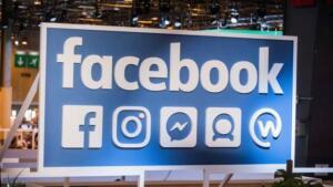 Türkiye geneli Facebook-Instagram ve WhatsApp akşam saatlerinde çöktü. Facebook-Instagram ve WhatsApp neden çöktü, neden açmıyor? Sosyal medya kullanıcıları şokta! Facebook-Instagram-WhatsApp'a erişim sağlanamıyor. Sosyal medya kullanıcıları Facebook-Instagram-WhatsApp'a neden giriş yapılamadığını merak ediyor. Bu akşam saatlerinde Facebook-Instagram-WhatsApp'a erişim sağlanamazken, sorunun neden kaynaklandığı henüz açıklanmadı. Facebook-Instagram-WhatsApp'ta yaşanan sorunun ise ne zaman düzeleceği bilinmiyor.